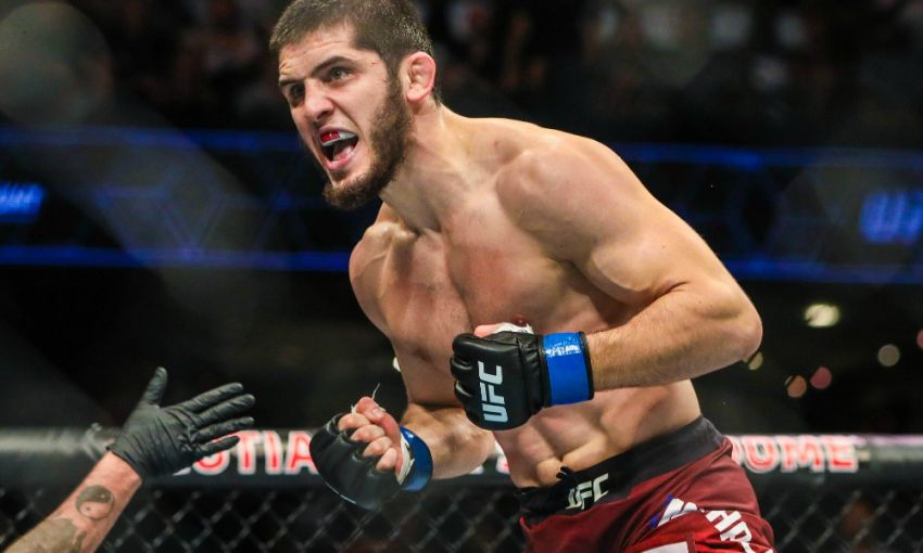 Ислам Махачев подерется с Тиаго Мойзесом на турнире UFC Fight Night 17 июля