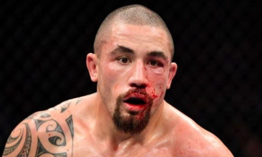 Роберт Уиттакер выбыл из поединка против Джареда Каннонье на UFC 248