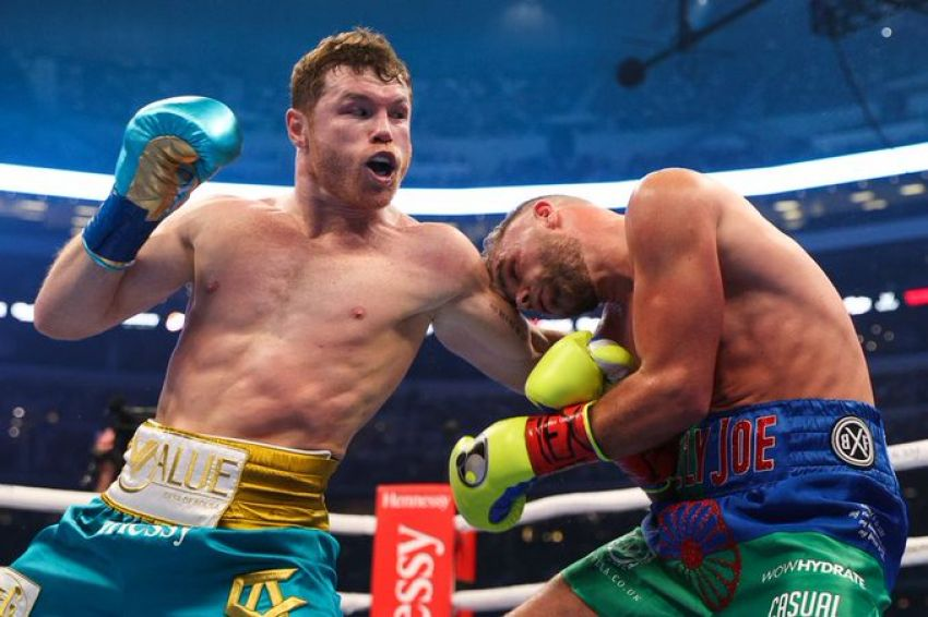 Saul Alvarez defeated Billy Joe Saunders ahead of schedule, forcing the opponent to surrender after the eighth round