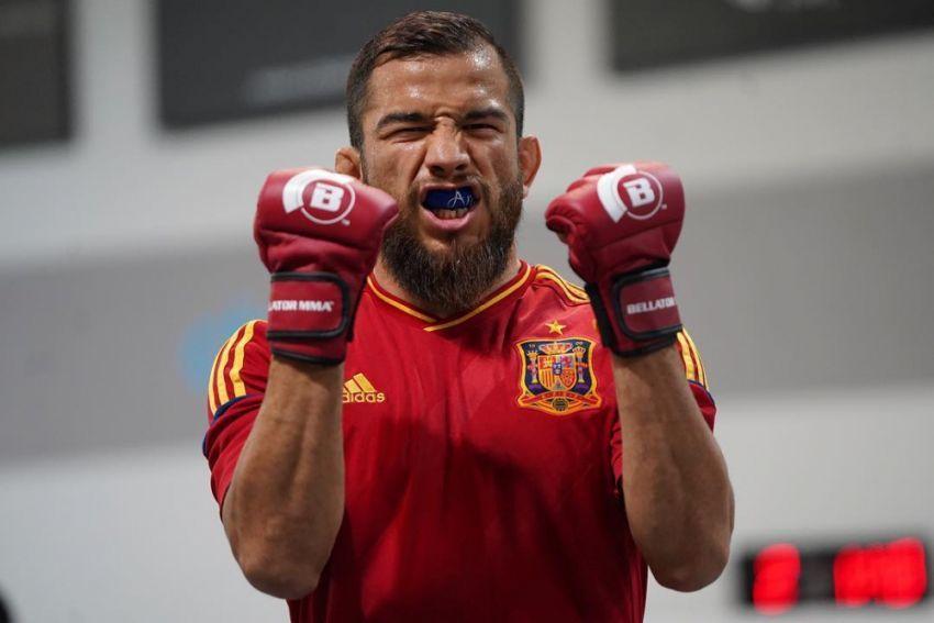 Brian Ortega congratulates Juan Archuleta on winning Bellator title