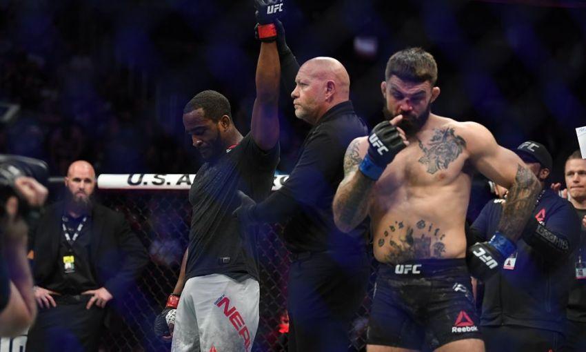 Майк Перри прокомментировал свое досрочное поражение на UFC 245