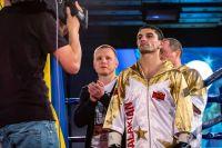 Артем Далакян в третий раз защитил свой титул WBA, остановив Саравута Таворнхама