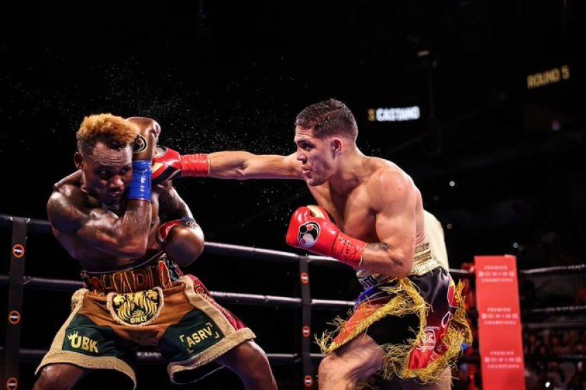 Джермелл Чарло и Брайан Кастаньо не смогли определить абсолютного чемпиона в бою со спорным решением судей