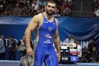 Билял Махов тренирует ударку, но в приоритете чемпионат Европы по вольной борьбе