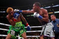 Девин Хэйни перебоксировал Альфредо Сантьяго, защитив чемпионский титул WBC