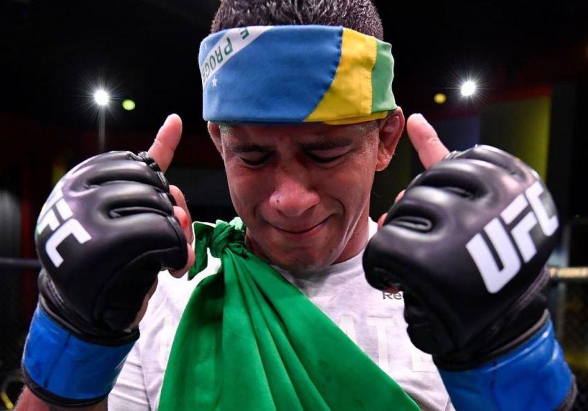 Гилберт Бернс одержал победу над Тайроном Вудли на UFC on ESPN 9