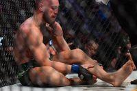 Люк Рокхолд не верит, что МакГрегор сломал ногу о локоть Порье