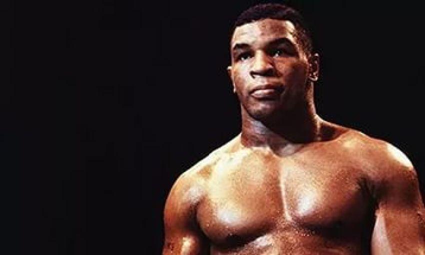 Mike Tyson vs Trevor Berbick (1986)
