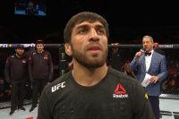 Магомед Мустафаев эффектно нокаутировал Рафаэля Физиева на UFC Fight Night 149