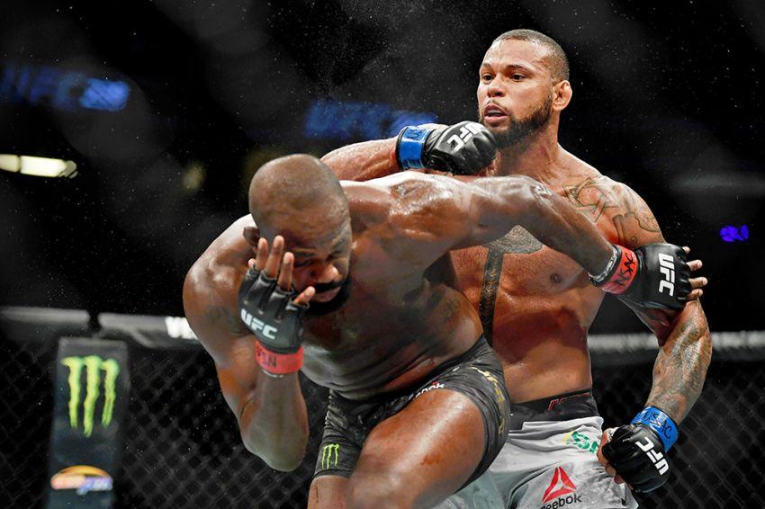 Фото турнира UFC 239: Джон Джонс - Тиаго Сантос