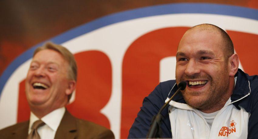 Фрэнк Уоррен не видит причин беспокоиться из-за решения Фьюри о смене тренера