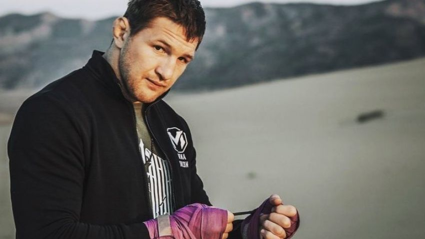 "Виталий Минаков - о словах тренера Минеева по поводу драки на турнире AMC Fight Nights: ""Русских там и не было"""