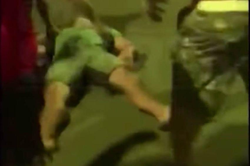 Би Джей Пенн был нокаутирован в уличной драке
