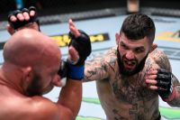 Бонусы турнира UFC on ESPN+ 32: Алексей Олейник - Деррик Льюис