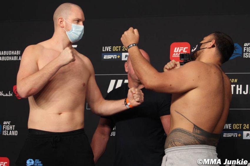 Видео боя Стефан Штруве - Тай Туиваса UFC 254