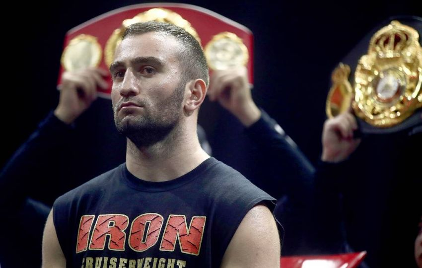 Команда Мурата Гассиева подтвердила отмену дебютного боя россиянина в супертяжелом весе