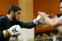 Ислам Махачев назвал свой вес за десять дней до боя с Добером
