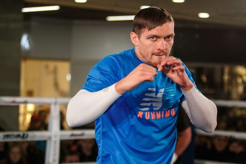 Александр Усик вернулся к тренировкам