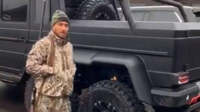 Василий Ломаченко продемонстрировал крутую тачку на которой он ездит на охоту
