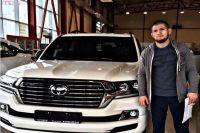 Хабиб Нурмагомедов принял участие в рекламном ролике нового внедорожника