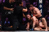 Хабиб Нурмагомедов досрочно победил Конора Макгрегора на UFC 229
