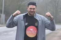 Фото дня: 160-килограммовый Тайсон Фьюри на пробежке