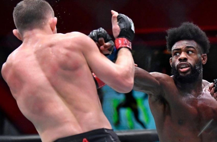 Алджамейн Стерлинг победил Петра Яна дисквалификацией на UFC 259