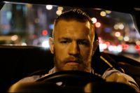 Макгрегор пытался устроить погром на арене UFC 223