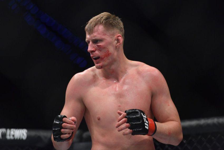 Инсайдер: соперником Александра Волкова на турнире UFC в Москве станет Грег Харди