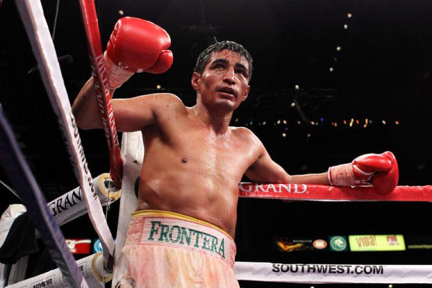 Этот день в истории: Эрик Моралес объединил титулы WBC и IBF, победив Карлоса Эрнандеса