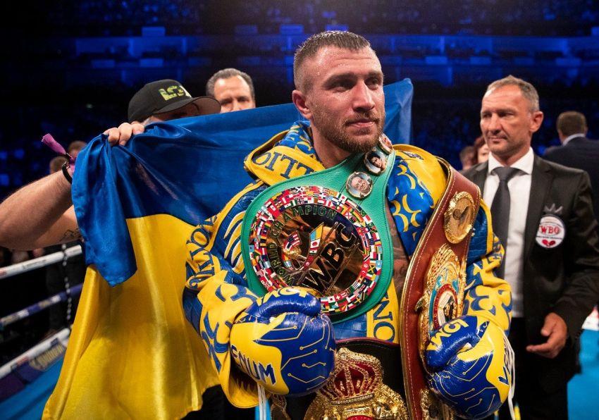 Боб Арум сообщил, что Ломаченко вернулся в Украину из-за возможного переноса боя с Лопесом