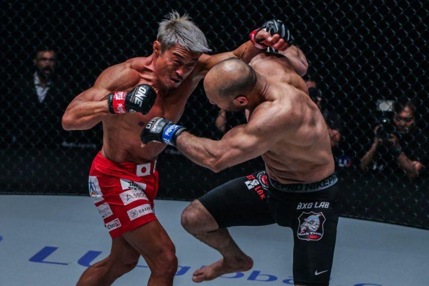 Видео боя Йошихиро Акияма - Шериф Мохамед ONE Championship King of the Jungle