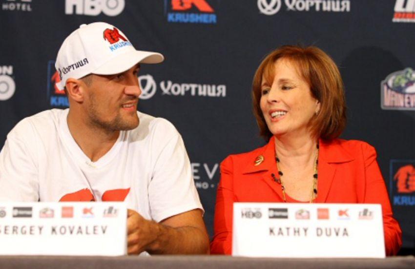 """Кэти Дува объяснила, при каких условиях Ковалев согласится драться с """"Канело"""""""