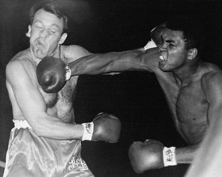 Этот день в истории: Мухаммед Али во второй раз остановил Генри Купера
