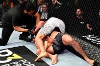 "Диего Феррейра ""задушил"" Энтони Петтиса на UFC 246"