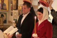 Александр Емельяненко повенчался с Полиной Селедцовой