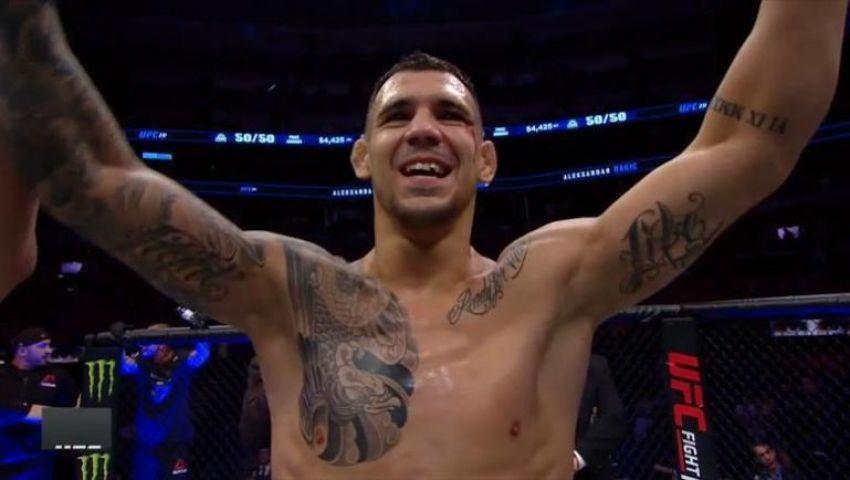 Александр Ракич брутально нокаутировал Джими Мануву на UFC Fight Night 153