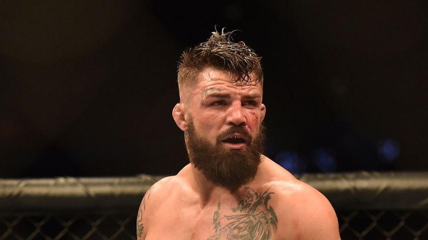 Майк Перри готов выйти на замену против Робби Лоулера на UFC 245
